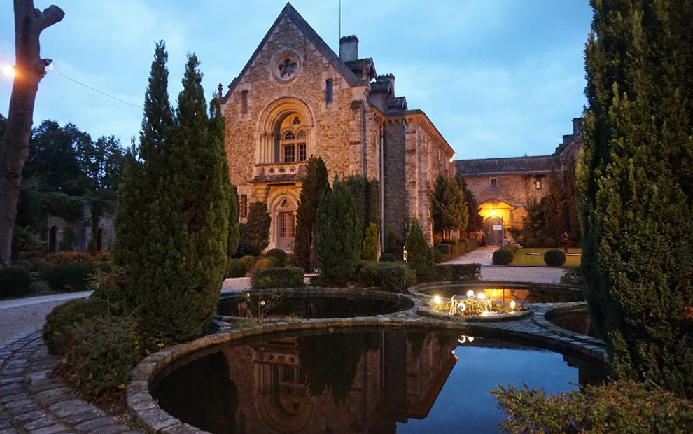 Abbaye de Cernay noite