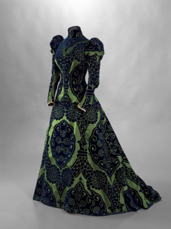 7 Worth, tea gown