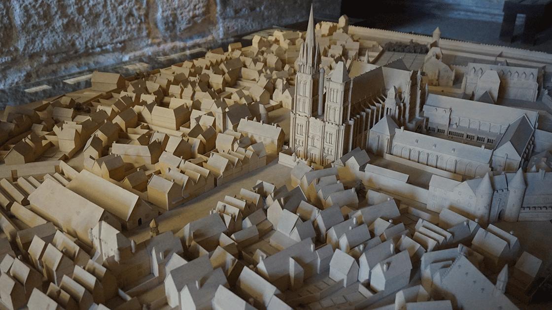 Basilica-Saint-Denis-maquete