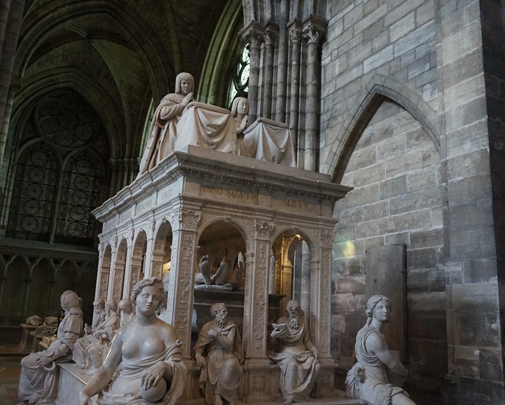 Basilica-Saint-Denis-renascença