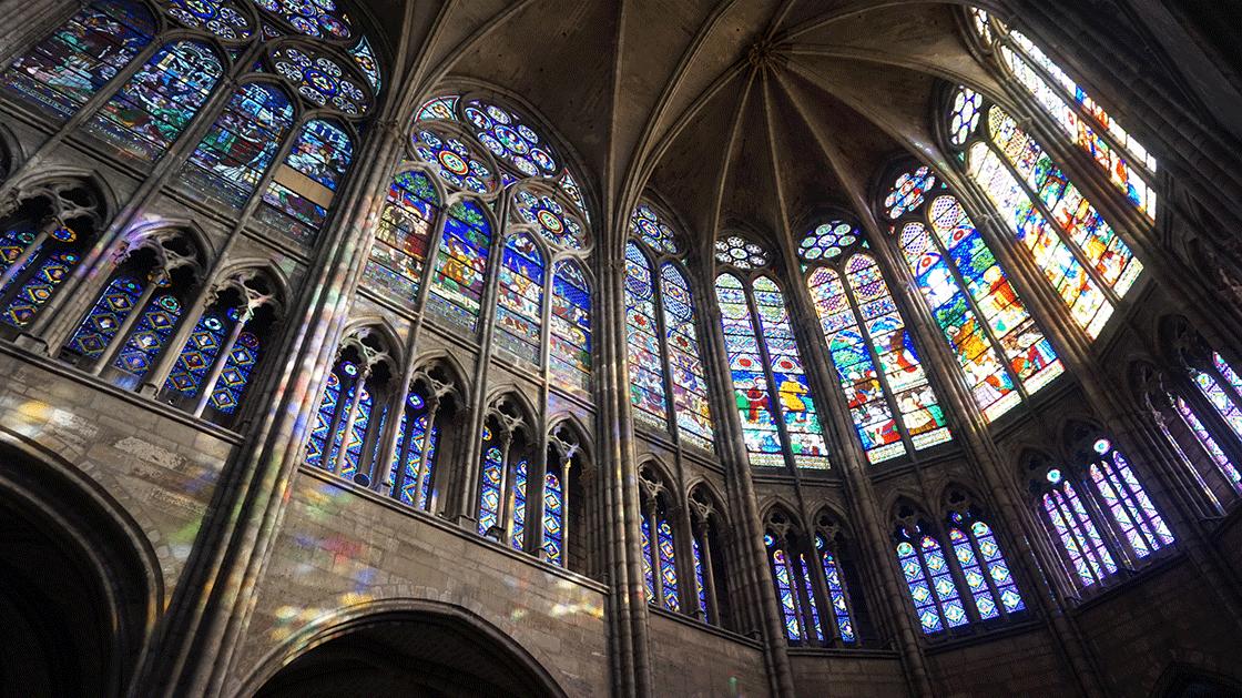 Basilica-Saint-Denis-vitrais-laterais