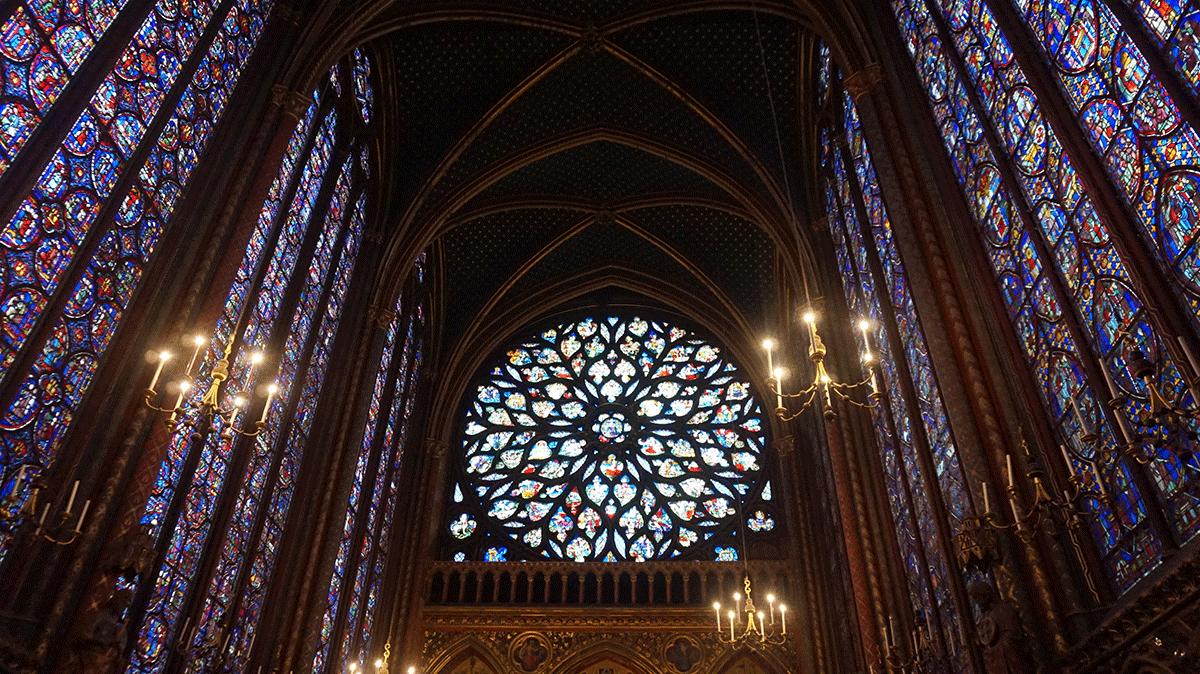 Sainte-chapelle-rosa-e-vitrais