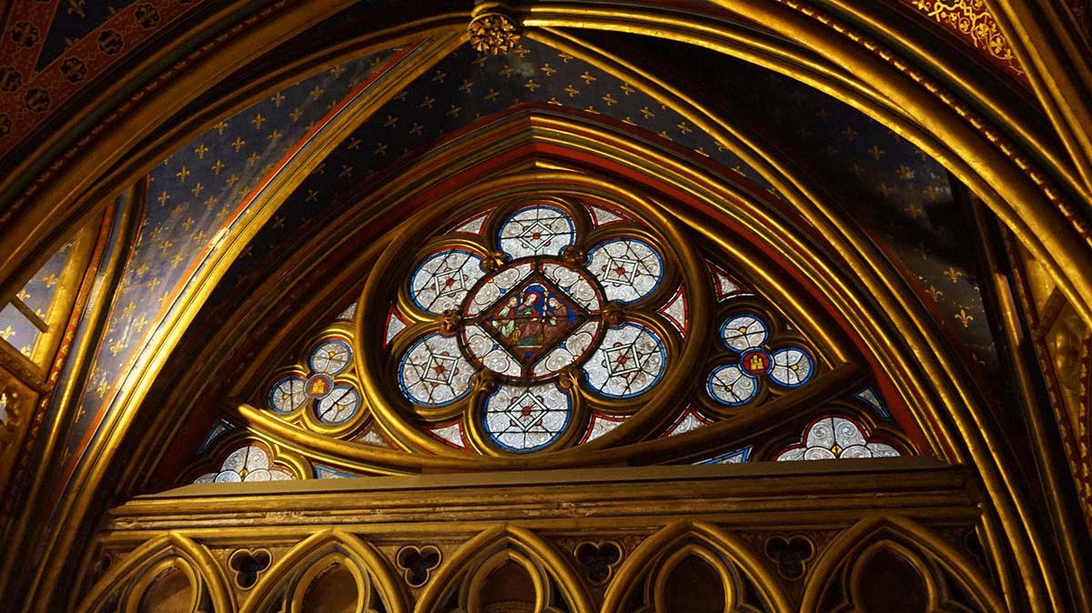 sainte-chapelle-pequena-rosa