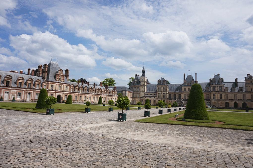 Fontainebleau-fachada