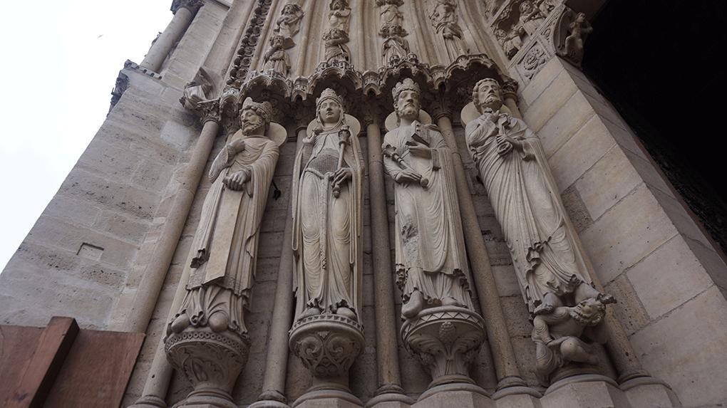 Notre-Dame-detalhe-santos