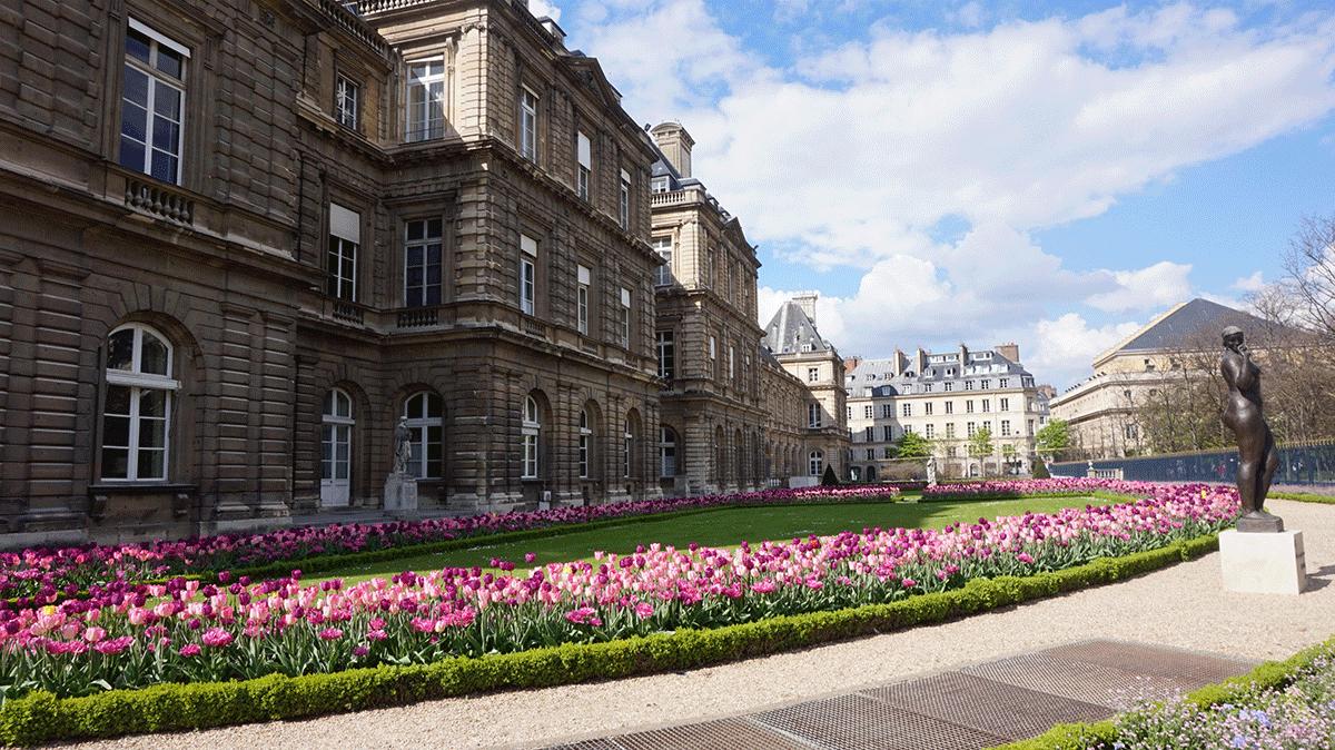 A sede do Senado francês que fica no Jardim de Luxemburgo em Paris