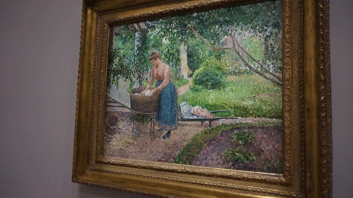 A pintura de Pissarro retrata o trabalho feminino na fazenda
