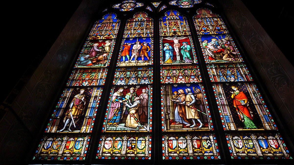 Vitrais da Capela do Santo Sangue em Bruges
