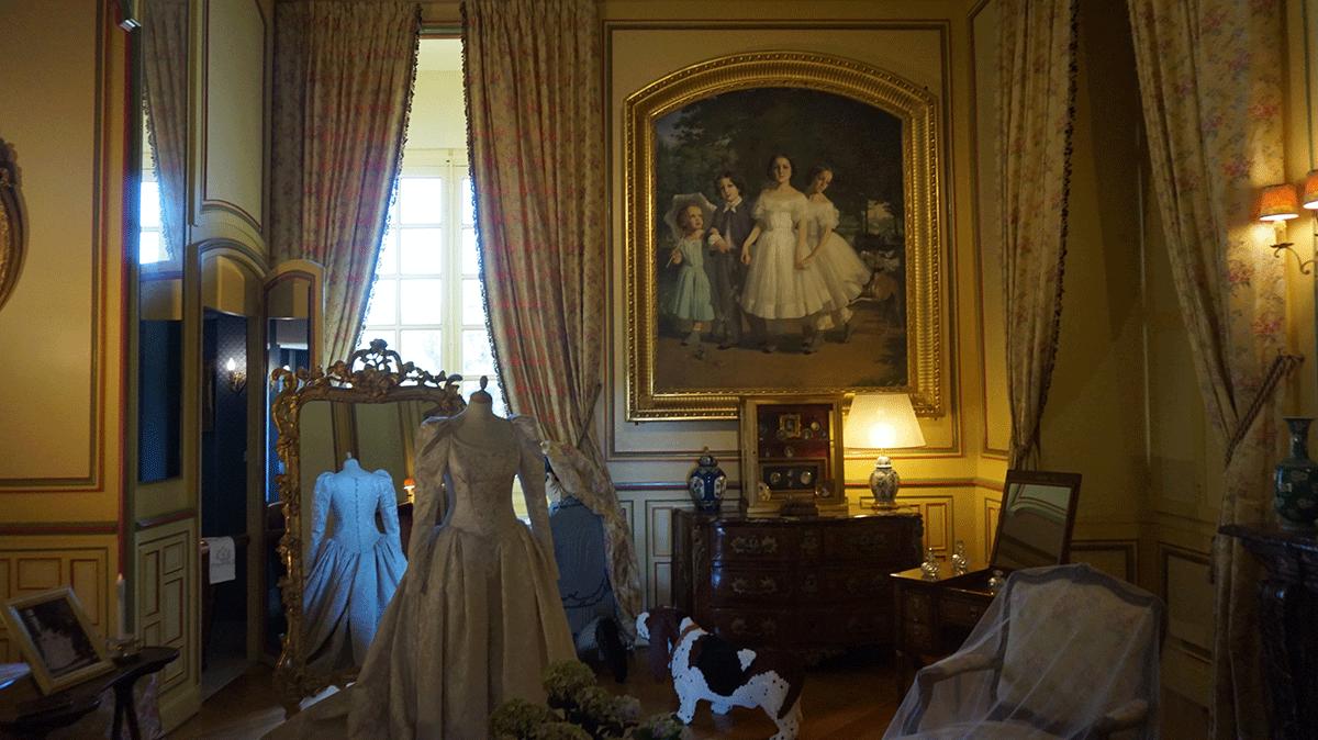 Vestido de noiva no castelo de Cheverny