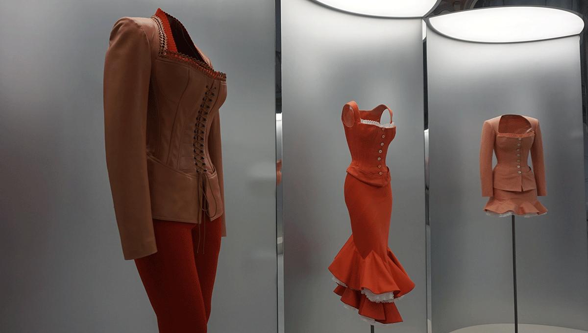 Exposição na semana de moda em Paris