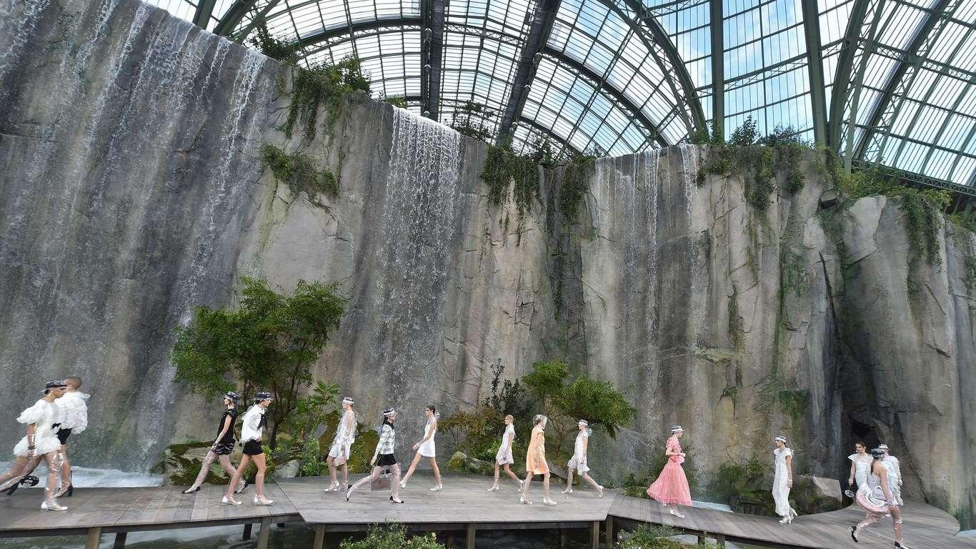 Morre em Paris Karl Lagerfeld