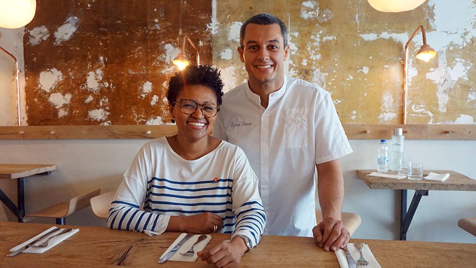 Edis Lima Guia em Paris e o Chef Rafael Gomes Itacoa