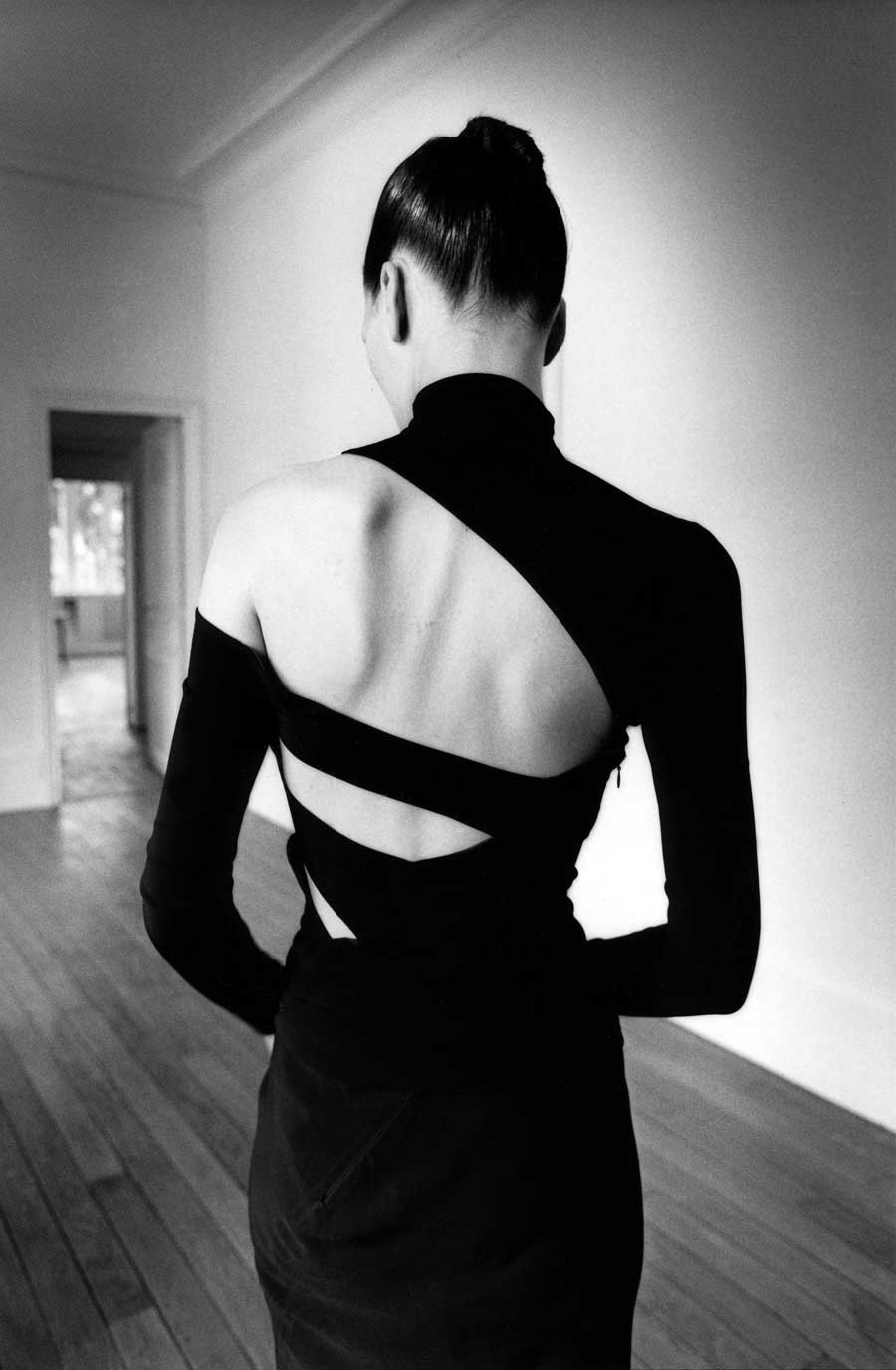 Exposição de moda em Paris no museu Bourdelle