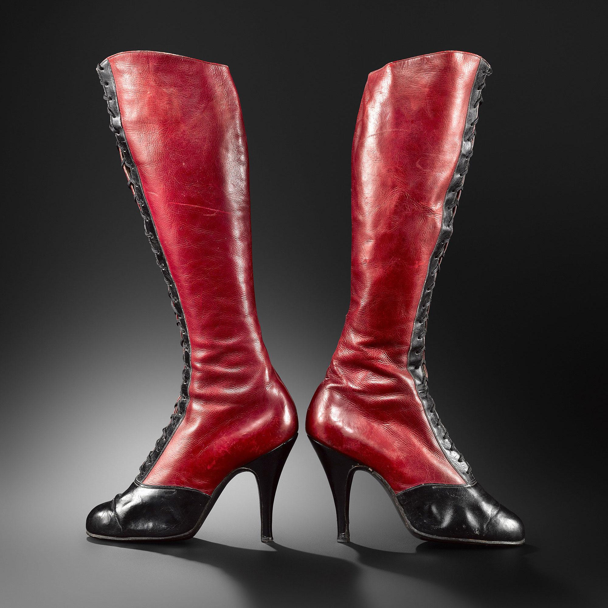 exposição sapatos em Paris