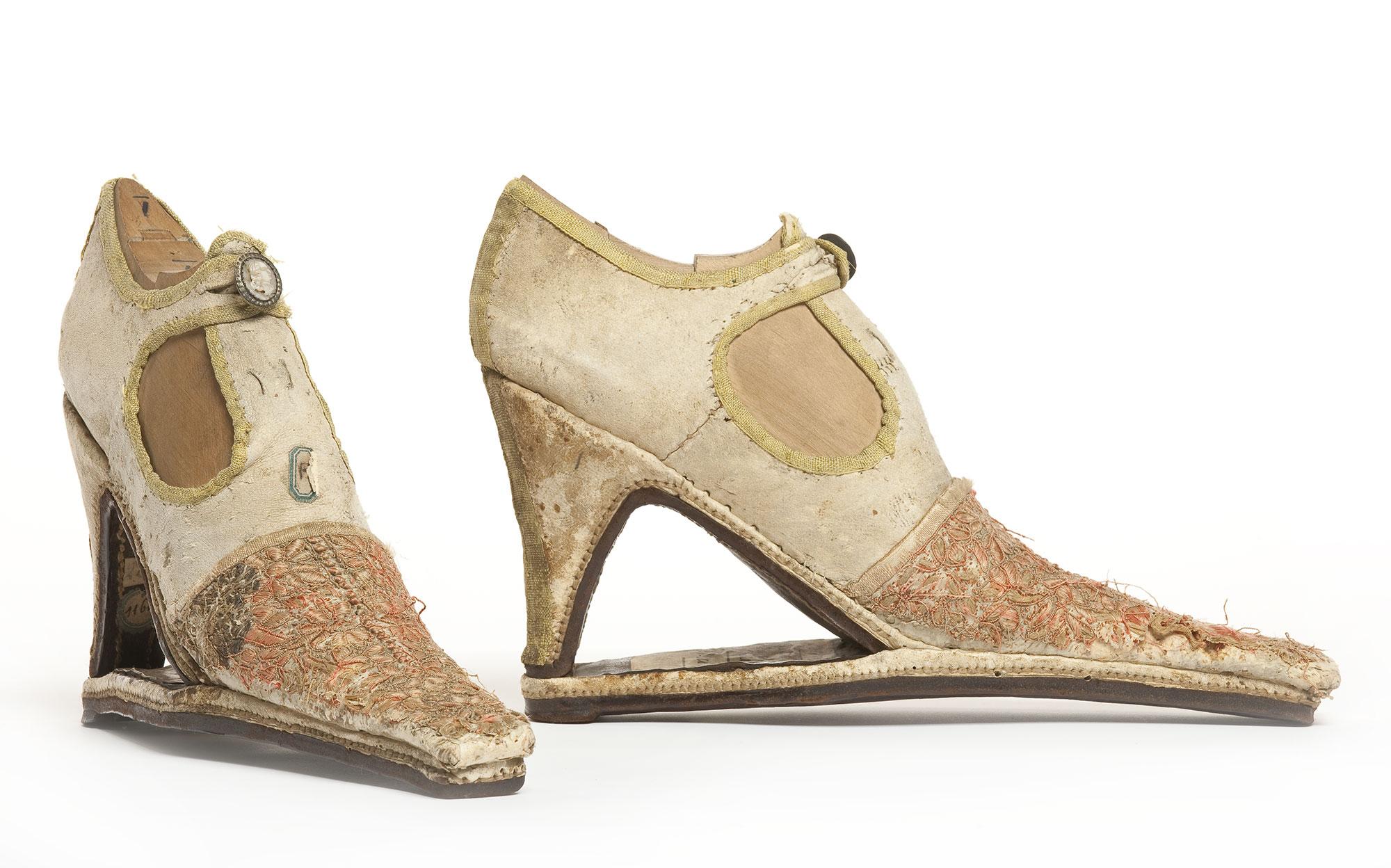 exposição sobre o sapato em Paris