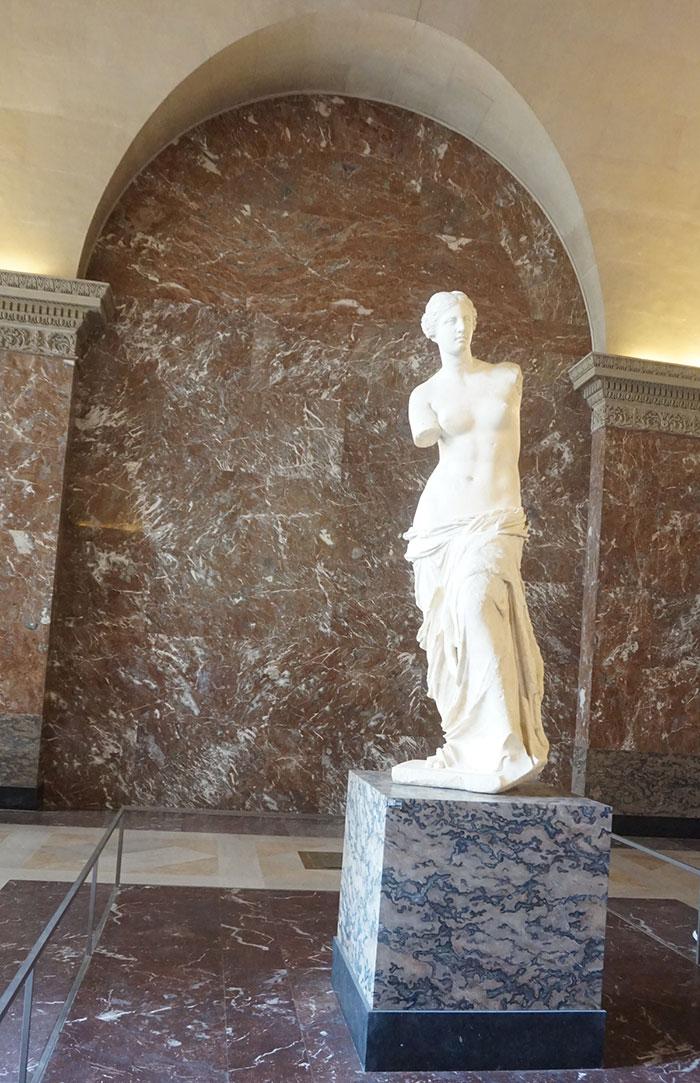 Venus de Milo corpo inteiro