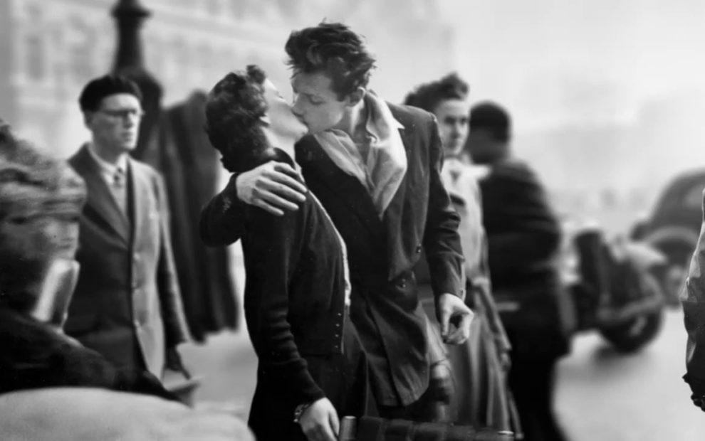 O beijo do hôtel de ville, de Robert Doisneau